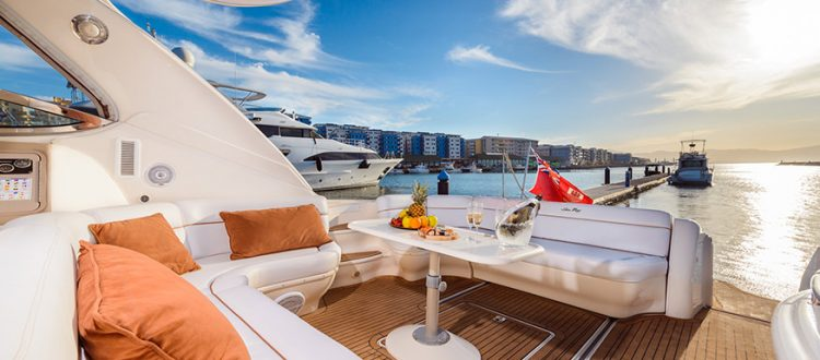 Gallery - Luxury Yacht Terrace