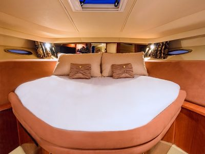 Gallery - Luxury Yacht Guestroom