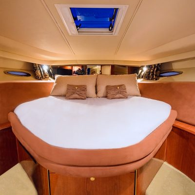 Gallery - Luxury Yacht Guestroom